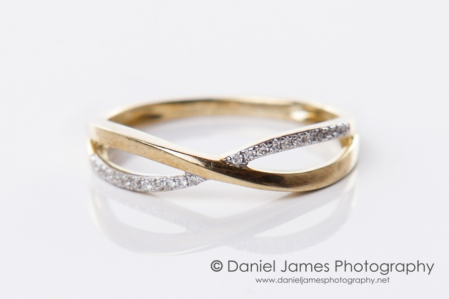 gold diamond ring product photography
