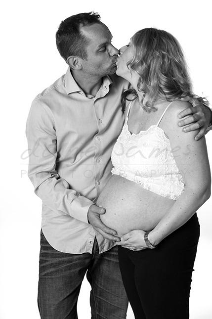 pregnancy portrait photographer